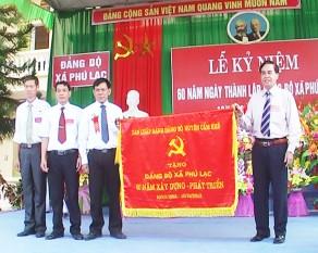 Le phat hanh sach xa Phu Lac